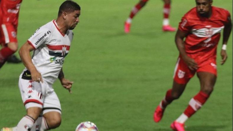 O Botafogo foi até Maceió e acabou superado pelo CRB (Foto: Luiz Cosenzo / Agência Botafogo)